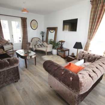 Esa Cottage lounge