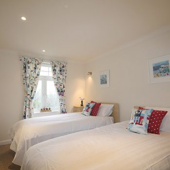 Twin Bedroom | 51 Atlantic Reach | 4 bedroom self-catering cottage in Newquay, Cornwall
