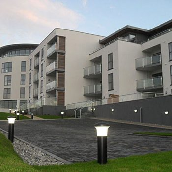 Ocean Gate Frontage- apartment at the rear