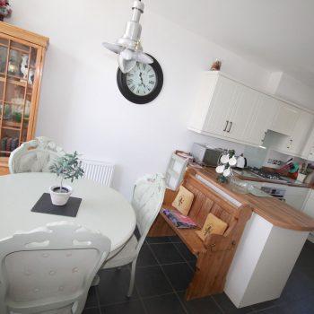 Esa Cottage Kitchen Diner