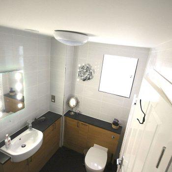 esa-cottage-family bathroom