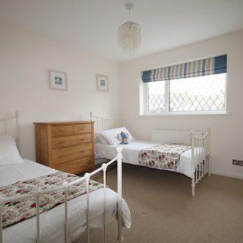 Fistral Walk twin bedroom 3